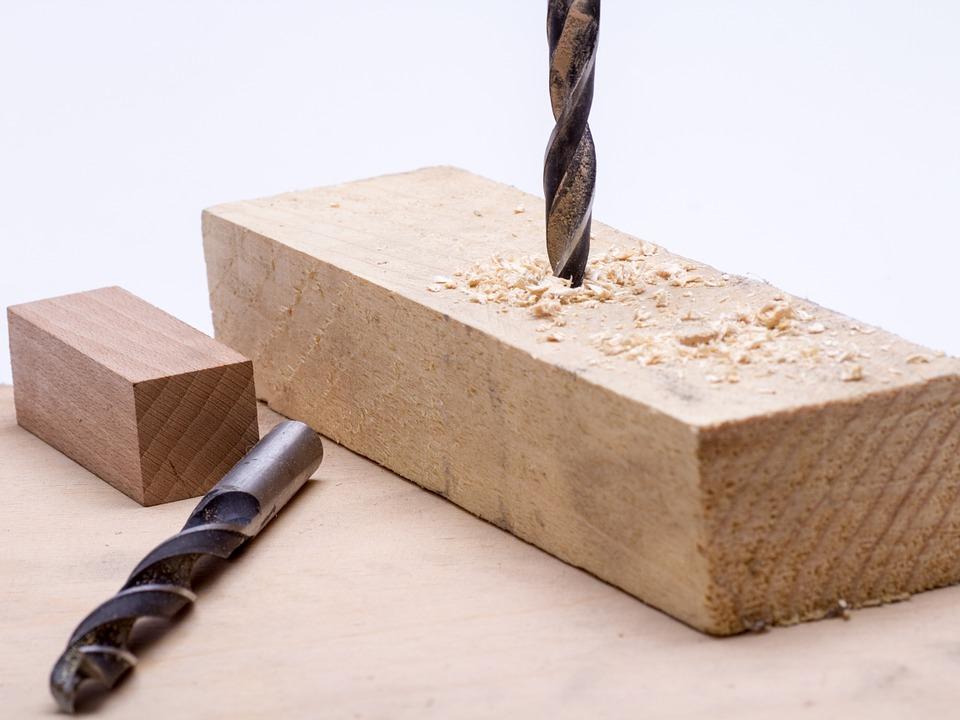 Otra manera de pensar en la selección de los taladros es en función de los materiales que se van a taladrar como metales, madera, hormigón o demás