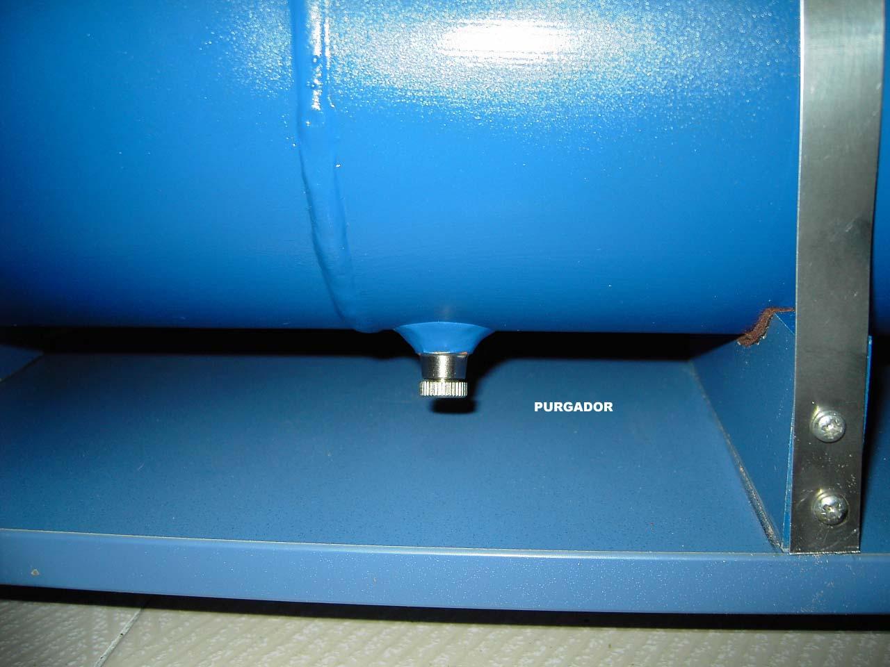 Ubicar el purgador del calderin mantenimiento compresor de aire, mantenimiento de compresores de aire extracción de aire