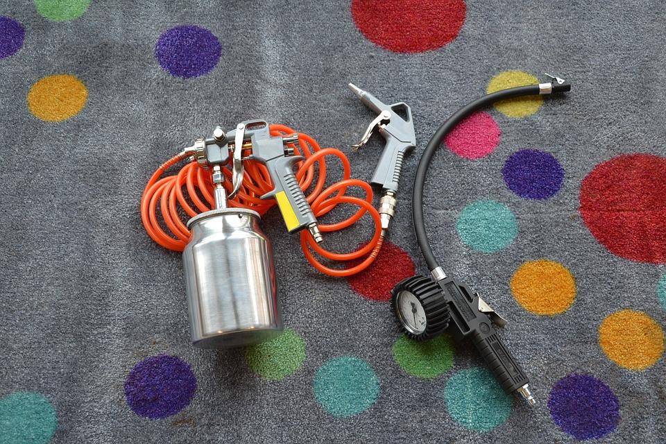 Piezas de un compresor de aire durante su mantenimiento. Consejos de mantenimiento de compresores de aire