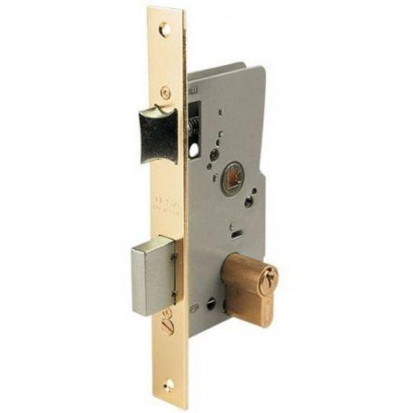 Cerradura embutir Tesa 2010-P HL 40mm en puerta de madera latonado