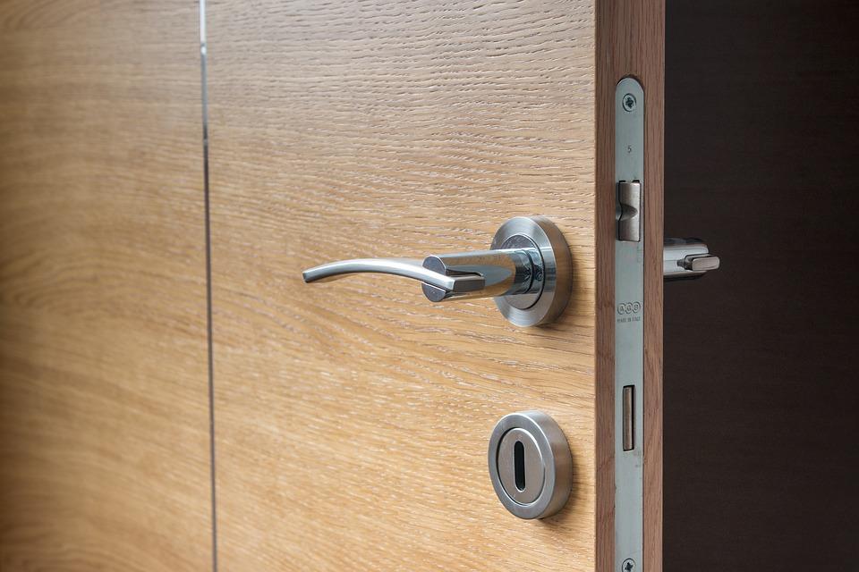 Resultado de imagen de mecanismo de apertura a palanca puerta
