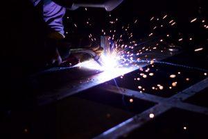 Este tipo de soldadura no es muy utilizado para unir materiales como los metales comunes, por lo general se usa en la unión de materiales como cobre, bronce y aluminio o en tareas de corte